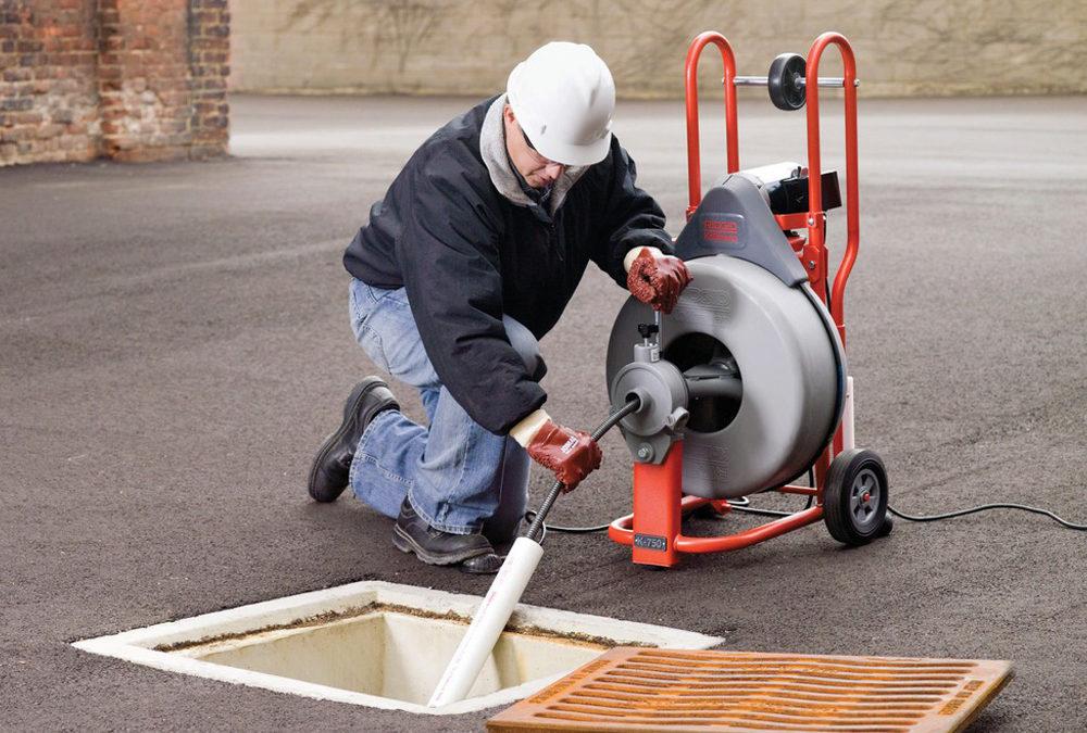 Limpieza, Mantenimiento y Desatoro de Desague con Maquina Surco