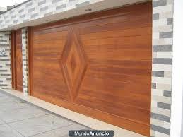 Carpinteria Carpintero en Madera en Porton de cochera en Miraflores, San Isidro